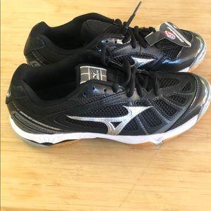 Mizuno wave hurricane women's athletic shoes sz 7